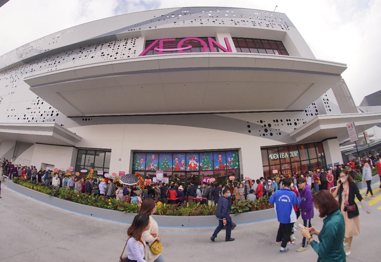 Hàng nghìn lượt khách hàng trải nghiệm mua sắm tại siêu thị lớn nhất thành phố Cảng ngày mở cửa - Ảnh 1