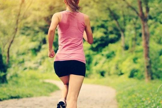 Đột quỵ ập đến rất nhanh: Đang tập thể dục mà thấy 10 dấu hiệu này thì nên dừng ngay - Ảnh 2