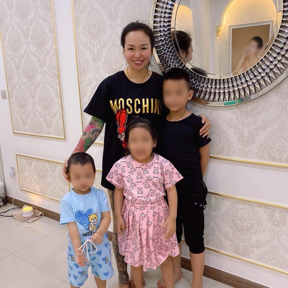 Bà mẹ 3 con với thâm niên 7 năm học võ vô tình nổi tiếng nhờ pha 'đánh ghen hộ' trên phố Lý Nam Đế: 'Về nhà mới thấy tiếc vì mặc váy!' - Ảnh 5