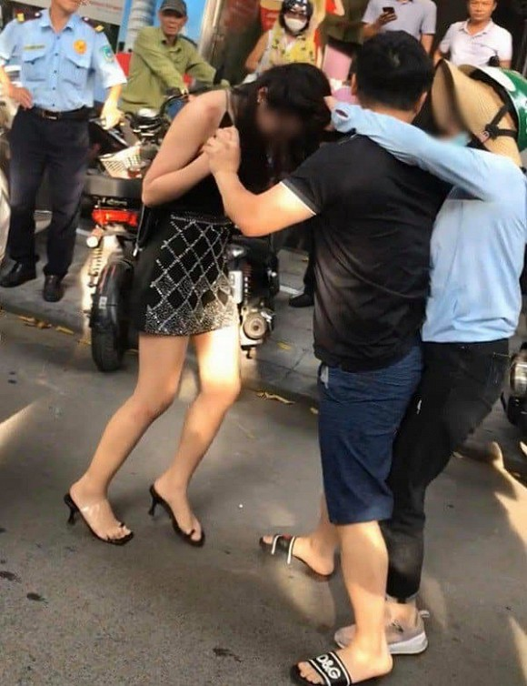 Từ vụ đánh ghen trên xe Lexus 570, sao Việt đưa nhận định bất ngờ về người thứ 3 - Ảnh 1
