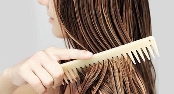 7 thói quen khiến tóc khô xơ và dễ gãy rụng - Ảnh 2