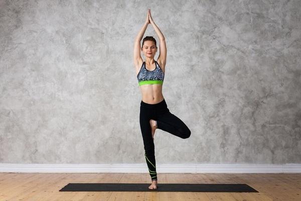 5 động tác yoga đơn giản giúp vòng 1 căng tròn, nảy nở - Ảnh 3