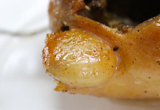4 bộ phận 'độc' nhất của con gà chứa đầy ký sinh trùng nhưng nhiều người vẫn vô tư ăn - Ảnh 1