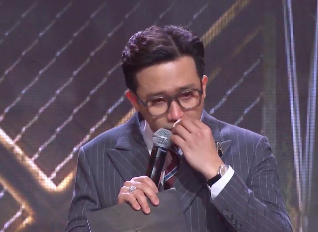 Trấn Thành tiếp tục rơi nước mắt lần thứ 2 trên sân khấu Rap Việt - Ảnh 3