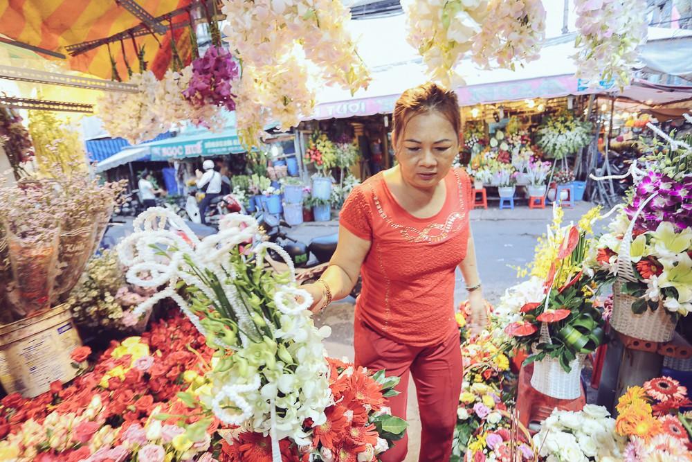 Vụ cô gái quậy tung tiệm hoa vì bị chê Ngực lép mà sao hung dữ: Chủ cửa hàng lên tiếng - Ảnh 5