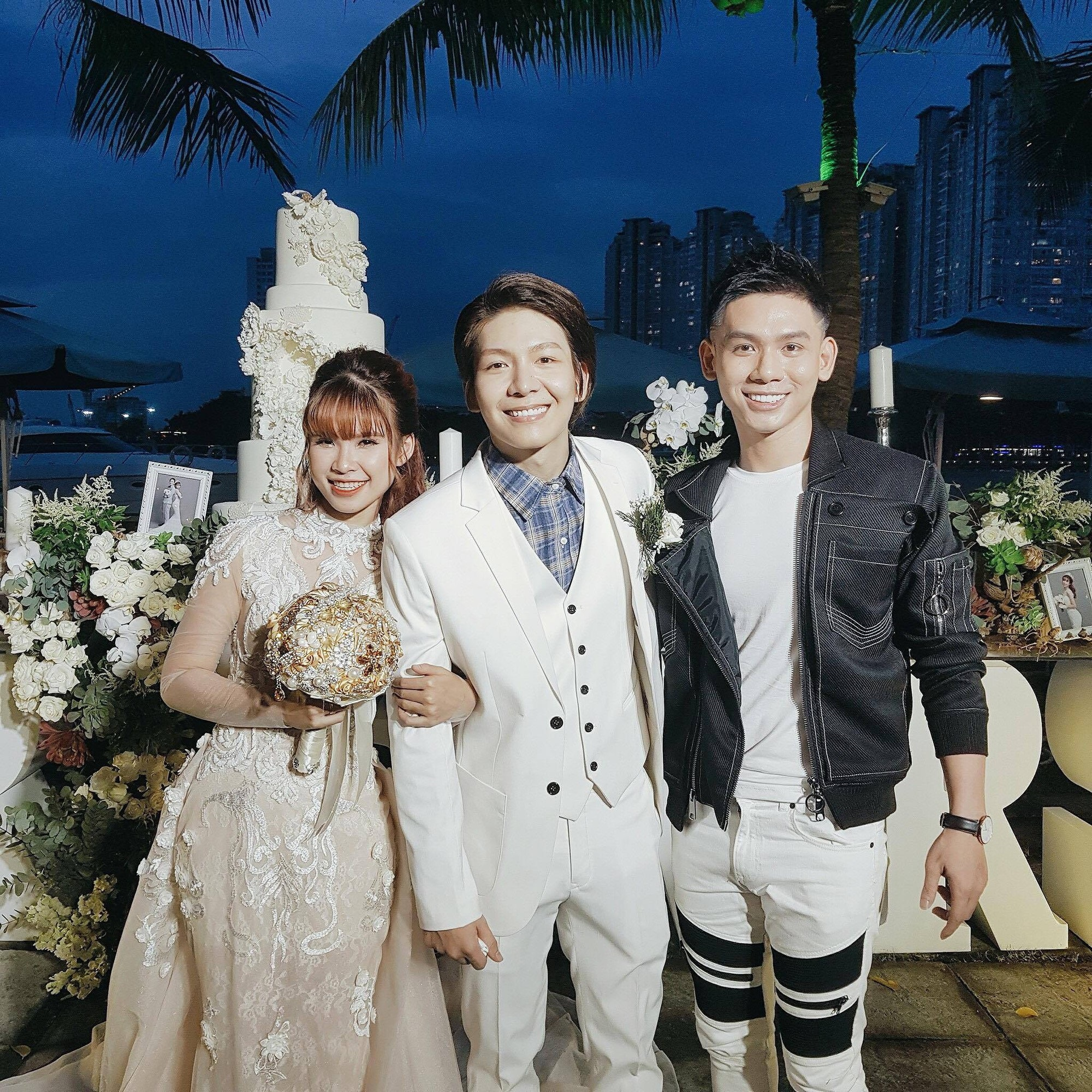 Cập nhật: Vợ chồng Kelvin Khánh - Khởi My diện trang phục giản dị, quậy tưng bừng trong tiệc cưới - Ảnh 4