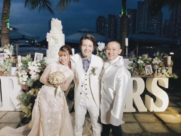 Cập nhật: Vợ chồng Kelvin Khánh - Khởi My diện trang phục giản dị, quậy tưng bừng trong tiệc cưới - Ảnh 6