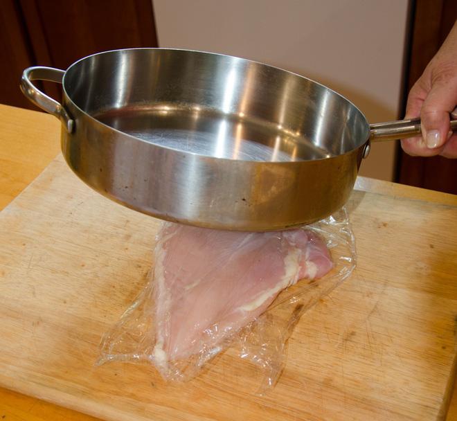 Hãy nghe bí quyết của đầu bếp để thịt gà chiên không còn khô khốc nữa - Ảnh 3