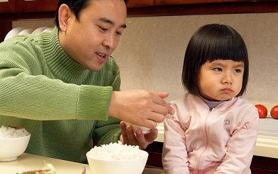 Cho trẻ ăn rong: Các mẹ tranh cãi, bác sĩ khẳng định Có hại cho con! - Ảnh 3