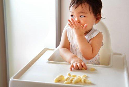 Cho trẻ ăn rong: Các mẹ tranh cãi, bác sĩ khẳng định Có hại cho con! - Ảnh 4