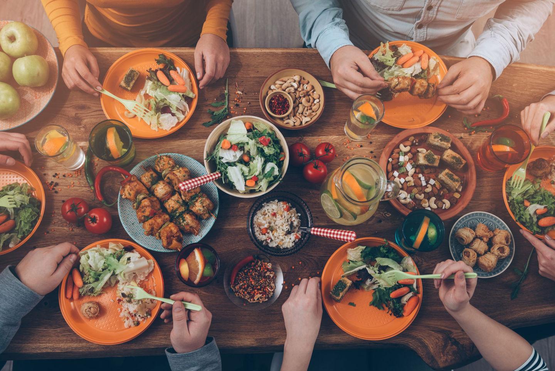 6 thói quen ăn uống mà tế bào ung thư thích nhất: Toàn món quen thuộc trong mâm cơm, biết là độc nhưng ít người có thể từ bỏ - Ảnh 1