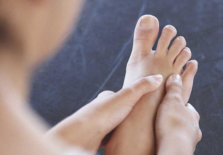 Bỗng dưng thấy bàn chân thay đổi theo 3 cách này, coi chừng bệnh ung thư đang phát triển trong cơ thể, cần lập tức đi khám - Ảnh 2