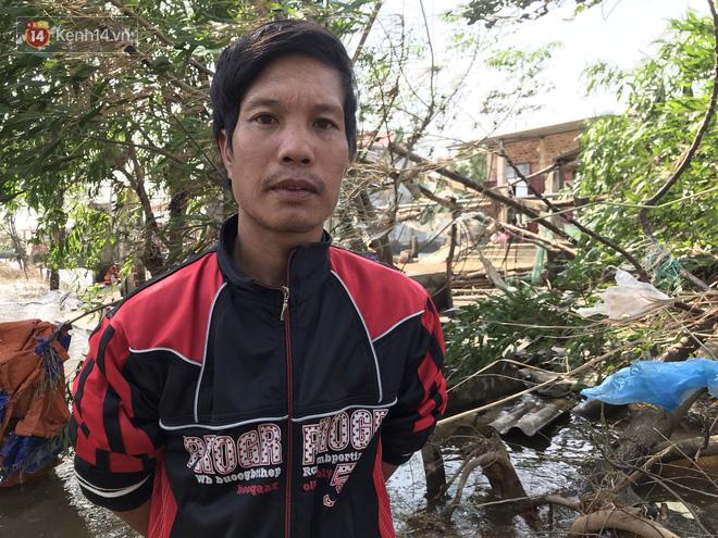 Nhà bị lũ cuốn, người đàn ông gửi vợ con cho người thân rồi xung phong đi cứu trợ người dân ngập lụt - Ảnh 4