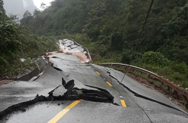 Tạm cấp 500 tỷ đồng hỗ trợ khẩn cấp 5 tỉnh miền Trung bị thiệt hại do thiên tai - Ảnh 1