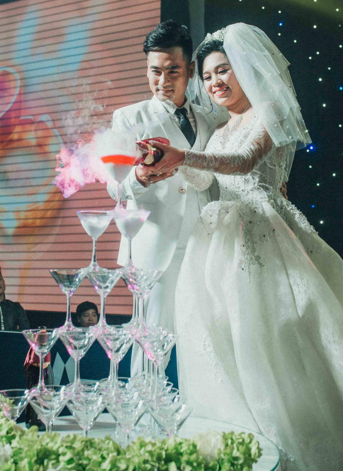 Nghệ sĩ cải lương đình đám Vũ Linh tái ngộ Thoại Mỹ trong đám cưới cháu gái - Ảnh 1