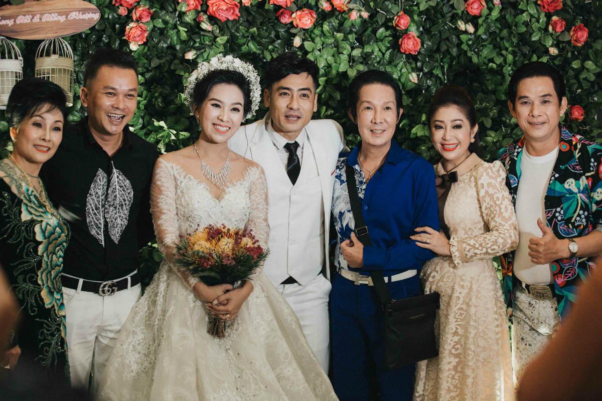 Nghệ sĩ cải lương đình đám Vũ Linh tái ngộ Thoại Mỹ trong đám cưới cháu gái - Ảnh 4