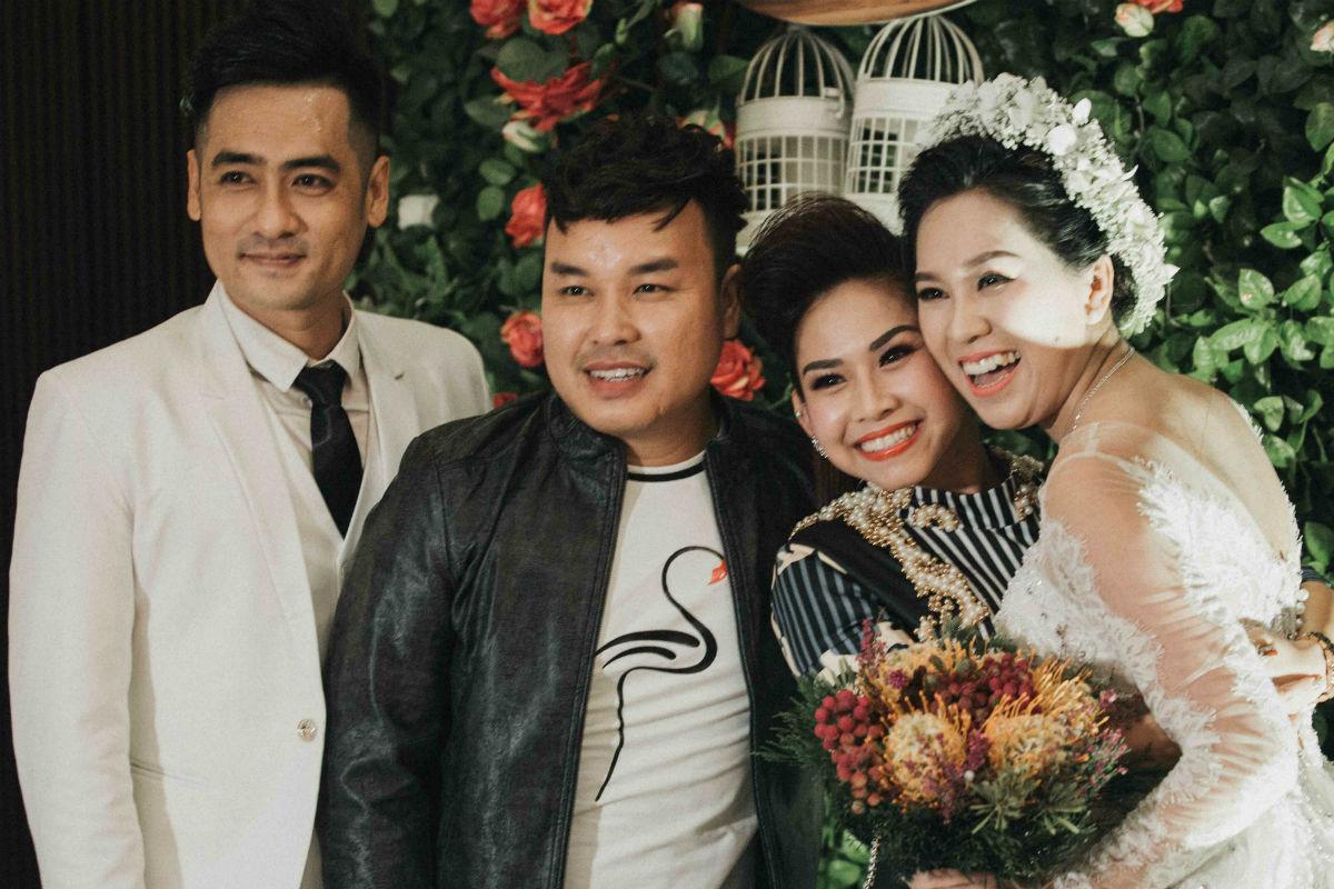 Nghệ sĩ cải lương đình đám Vũ Linh tái ngộ Thoại Mỹ trong đám cưới cháu gái - Ảnh 6