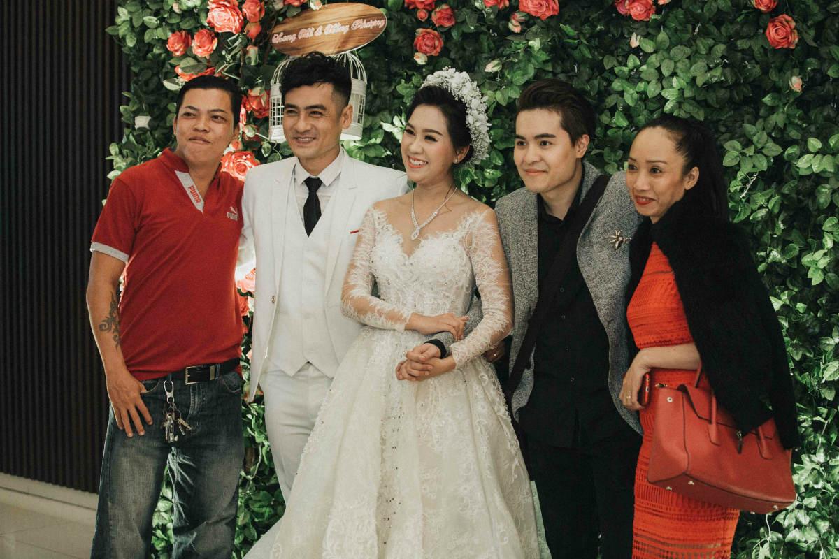 Nghệ sĩ cải lương đình đám Vũ Linh tái ngộ Thoại Mỹ trong đám cưới cháu gái - Ảnh 8