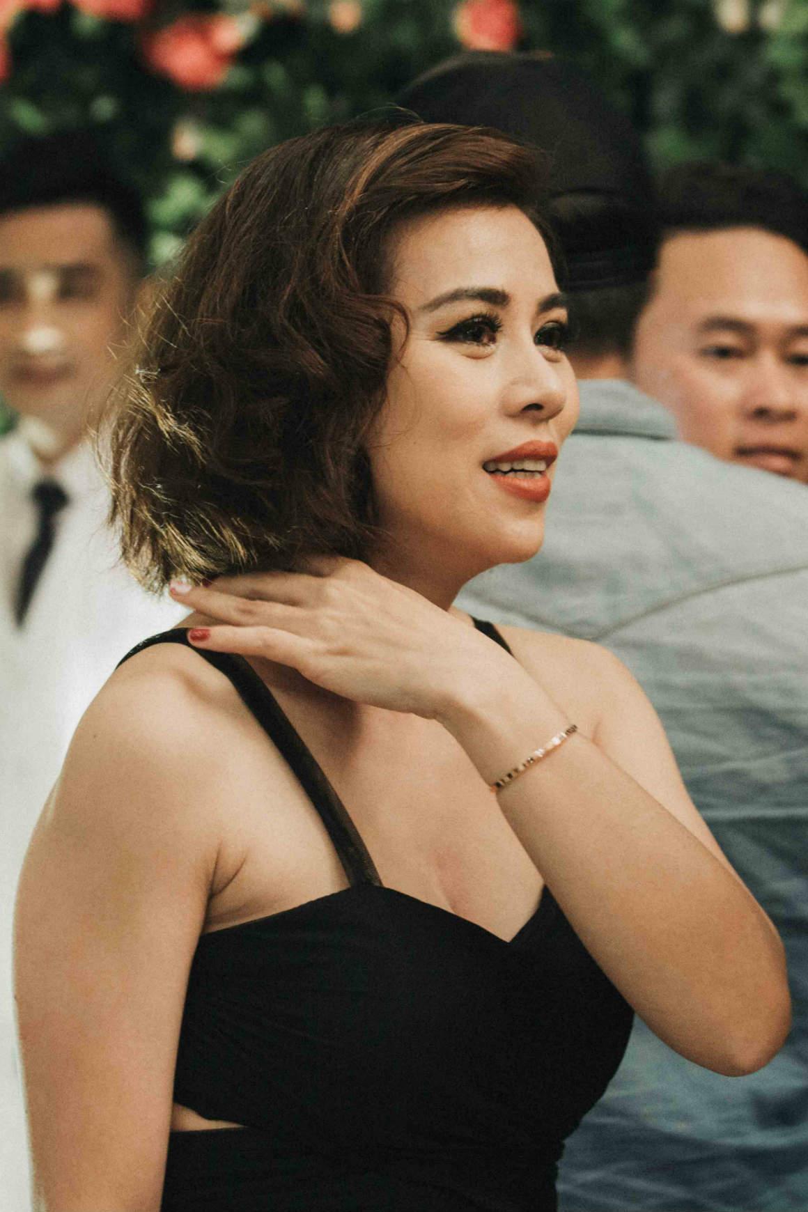 Nghệ sĩ cải lương đình đám Vũ Linh tái ngộ Thoại Mỹ trong đám cưới cháu gái - Ảnh 9