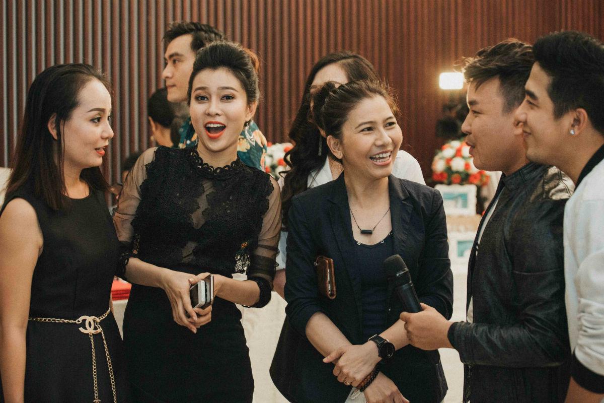 Nghệ sĩ cải lương đình đám Vũ Linh tái ngộ Thoại Mỹ trong đám cưới cháu gái - Ảnh 13