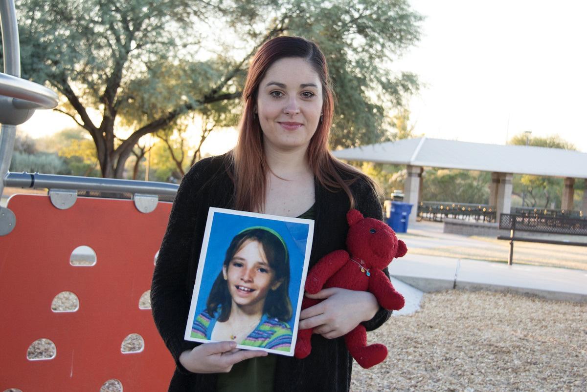 Bé gái mất tích ngay gần nhà, cảnh sát điều tra, nghi ngờ bố đứa trẻ và 10 năm sau, sự xuất hiện của tờ tiền 1 USD xáo trộn mọi thứ - Ảnh 7