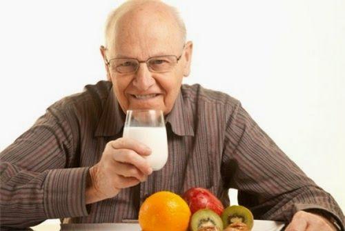 7 bài thuốc chữa táo bón cho người già hiệu quả nhất - Ảnh 1