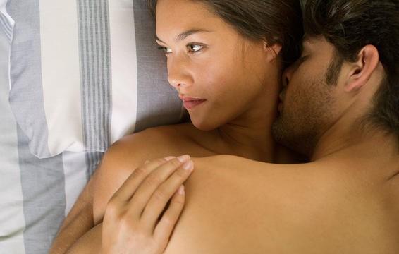 Khi sex, bạn có thể bị đau đớn do nhiễm trùng nấm men nhưng điều đó không có nghĩa là bạn mắc bệnh do làm