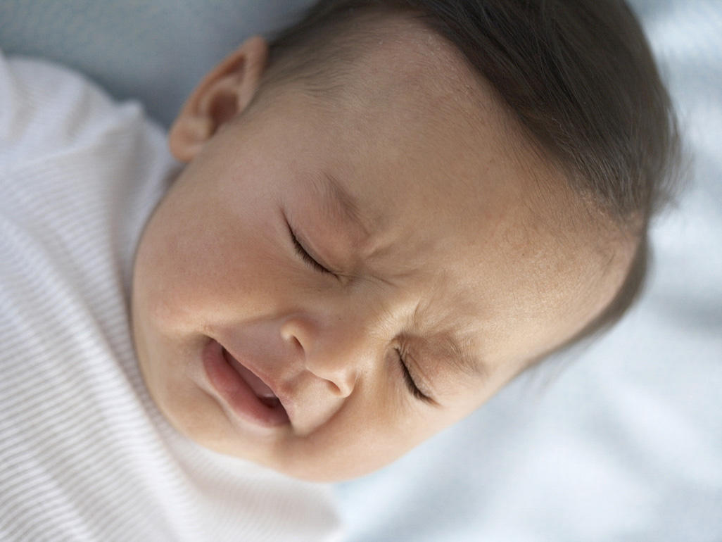 Mách mẹ cách chữa ngạt mũi cho trẻ sơ sinh êm dịu, bé không khóc - Ảnh 1