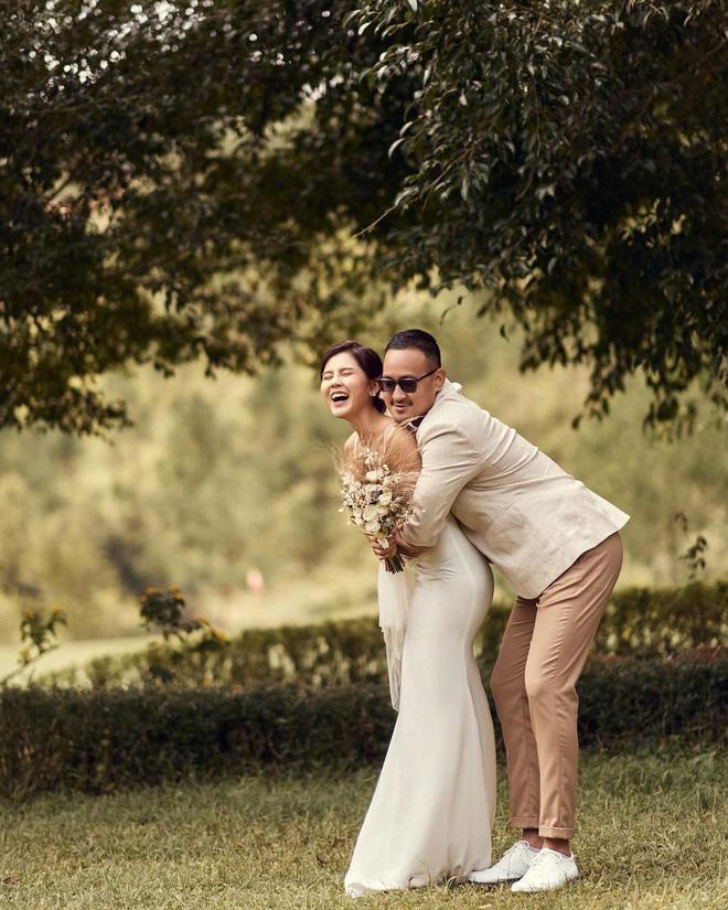 Lộ ảnh hiếm về lễ cưới MC Thu Hoài: Độc - xịn - lạ không giống ai - Ảnh 10