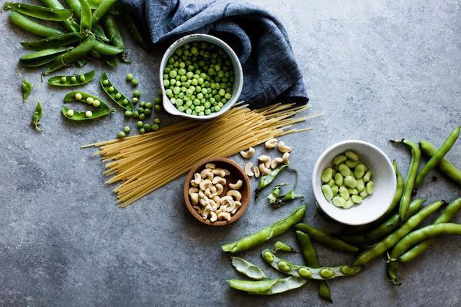 Đang có kinh nguyệt thì nên ăn gì và kiêng gì để giảm bớt mệt mỏi? - Ảnh 1