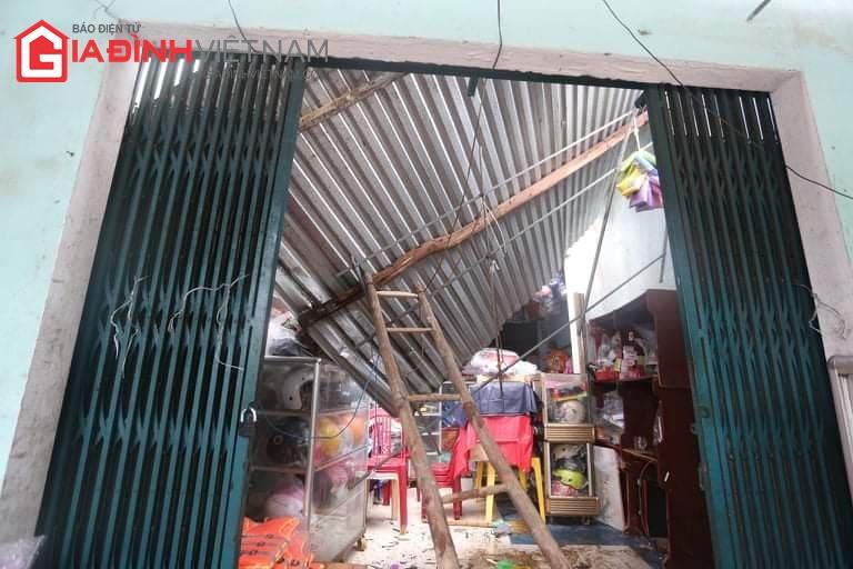 Cảnh tượng tan hoang ở Quảng Ngãi sau khi bão số 9 đổ bộ - Ảnh 6