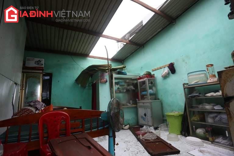 Cảnh tượng tan hoang ở Quảng Ngãi sau khi bão số 9 đổ bộ - Ảnh 7