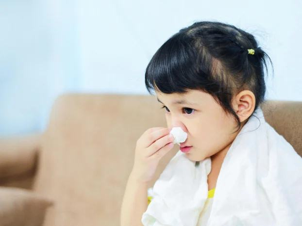 Có hay không việc trẻ nhiễm virus RSV qua nụ hôn của người lớn? - Ảnh 2