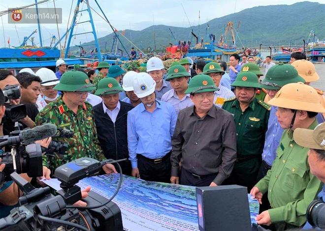 Phó Thủ tướng Trịnh Đình Dũng: Bão số 9 mạnh và nguy hiểm nhất 20 năm trở lại đây tại miền Trung, tuyệt đối không được chủ quan - Ảnh 3