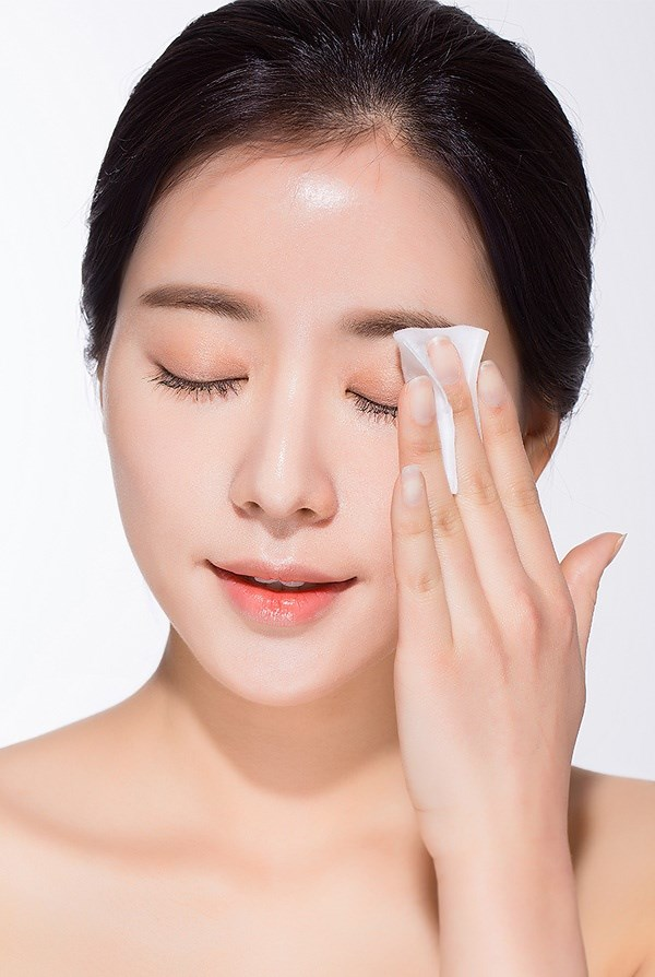 Cùng rửa mặt nhưng gái Hàn, Nhật có làn da căng mướt, trắng mịn trong mùa đông còn gái Việt thì khô, nứt nẻ, đọc bài này để biết bí quyết - Ảnh 2
