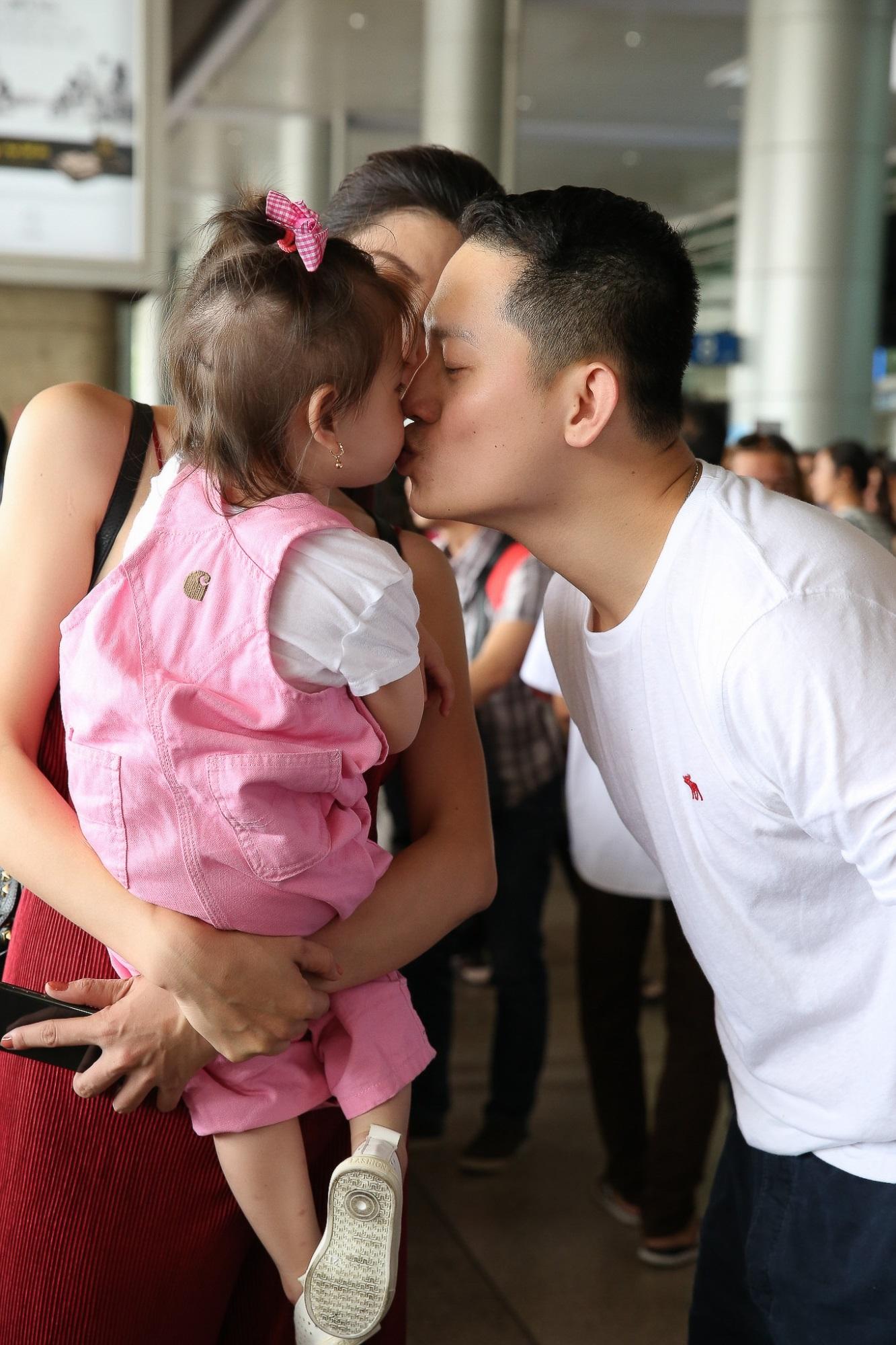 Hot nhất: Chồng người mẫu Trang Trần lộ diện, từ Mỹ về chụp ảnh cưới - Ảnh 4