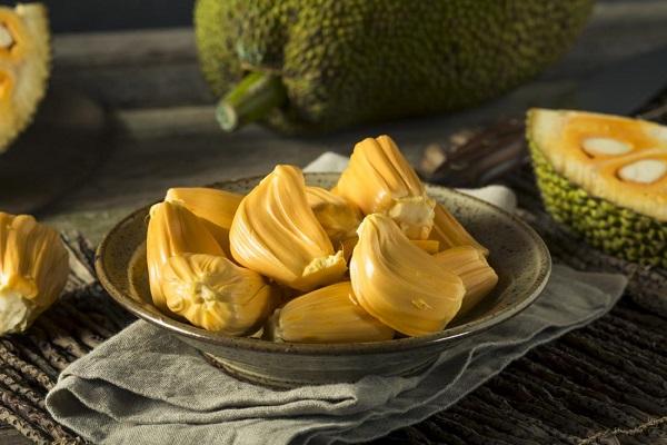 Bị nóng, nổi mụn tránh ăn những loại quả này - Ảnh 4