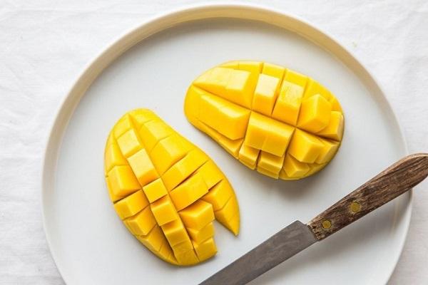 Bị nóng, nổi mụn tránh ăn những loại quả này - Ảnh 5