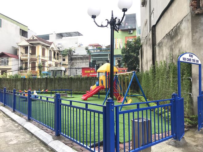 Nhà trường lên tiếng sau vụ bé gái 5 tuổi ngã gãy tay, nguy cơ bị liệt khi đang trong giờ học - Ảnh 5