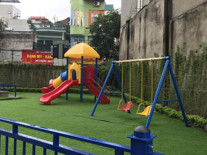 Nhà trường lên tiếng sau vụ bé gái 5 tuổi ngã gãy tay, nguy cơ bị liệt khi đang trong giờ học - Ảnh 6