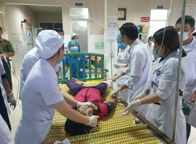 Hình ảnh những nạn nhân được cứu trong vụ sạt lở núi kinh hoàng ở Quảng Nam - Ảnh 11