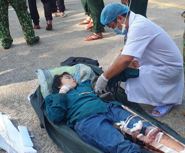 Hình ảnh những nạn nhân được cứu trong vụ sạt lở núi kinh hoàng ở Quảng Nam - Ảnh 5