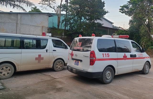 Hình ảnh những nạn nhân được cứu trong vụ sạt lở núi kinh hoàng ở Quảng Nam - Ảnh 6