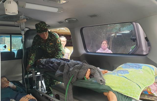 Hình ảnh những nạn nhân được cứu trong vụ sạt lở núi kinh hoàng ở Quảng Nam - Ảnh 7