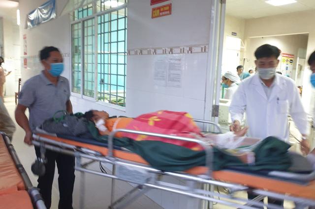 Hình ảnh những nạn nhân được cứu trong vụ sạt lở núi kinh hoàng ở Quảng Nam - Ảnh 8