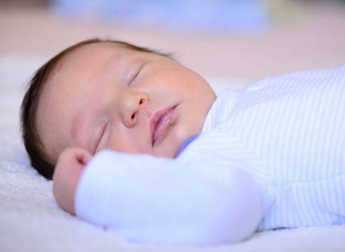 5 điều đại kỵ khi nhà có trẻ sơ sinh, mẹ nhất định phải biết - Ảnh 1