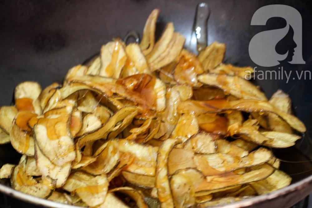 Tết này không thể bỏ qua món chuối ngào đường giòn tan ăn là mê liền - Ảnh 3