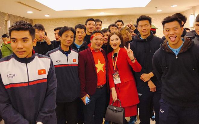Không thể giữ im lặng khi bị Đức Chinh công khai túm tóc, MC Mai Ngọc chính thức lên tiếng - Ảnh 1