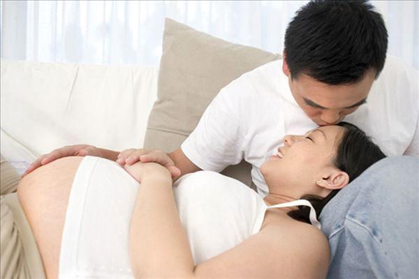 Băn khoăn mang thai tháng thứ 5 có nên quan hệ