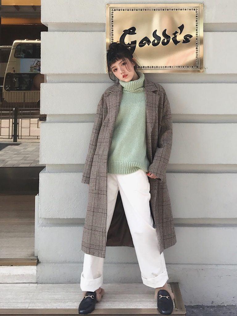 Ngày Tết muốn mặc đẹp thì không thể bỏ qua cách phối đồ với áo khoác blazer kẻ sọc này - Ảnh 5